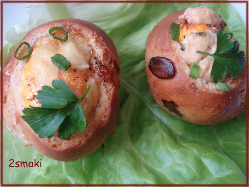 Jajko zapiekane w bułce - tradycyjne