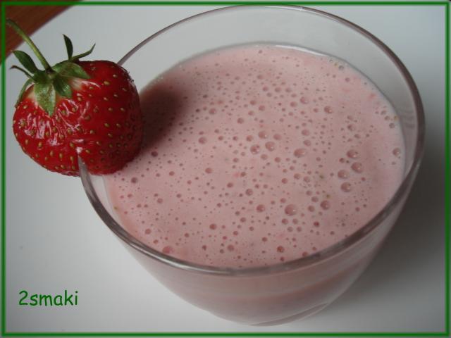 Koktajl mleczno-truskawkowy z kawą