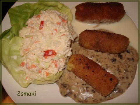 Krokieciki z ziemniaków i brokułów, z sosem grzybowym