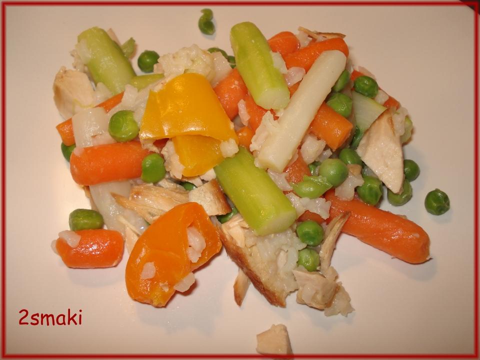 Warzywa z ryżem i indykiem