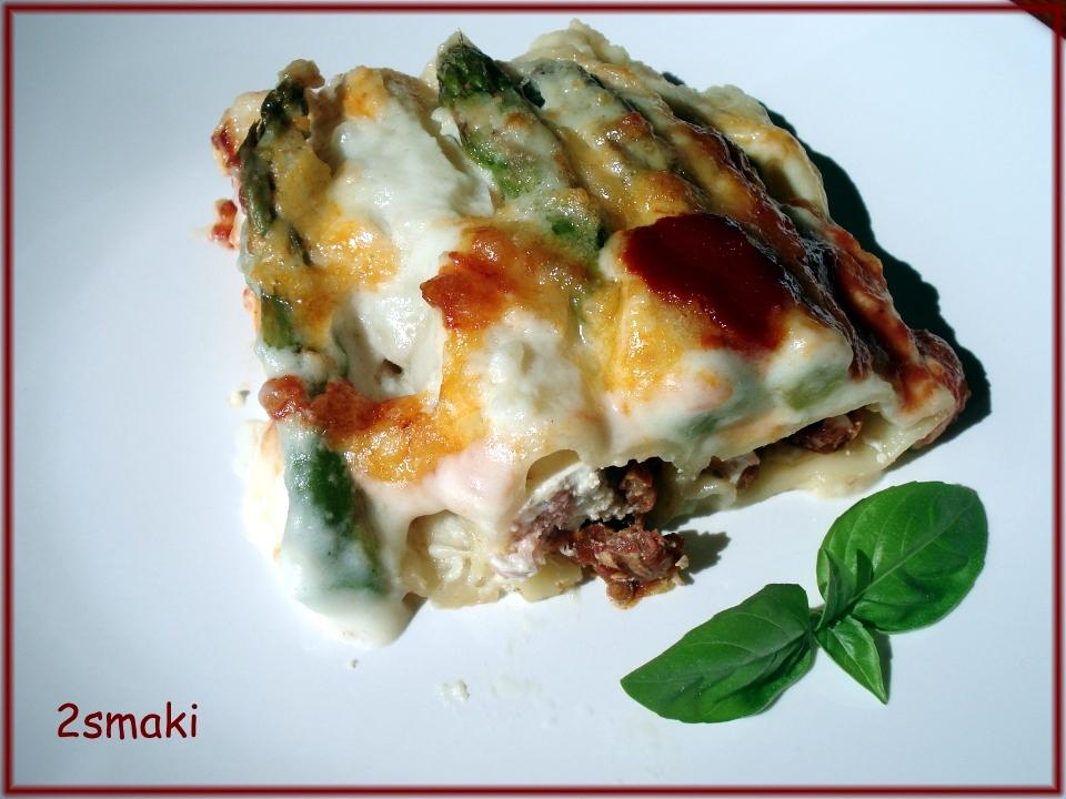 Canelloni (rurki) faszerowane ricottą, szynką parmeńską i pomidorami suszonymi