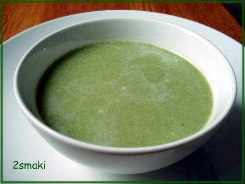 Krem z brokułów i szpinaku, z parmezanem