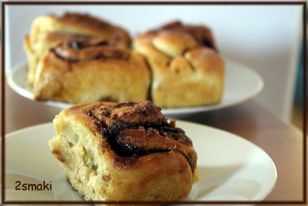 Drożdżowe ślimaczki dyniowo-korzenne