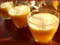 Świeży sok z dyni, jabłek i pomarańczy