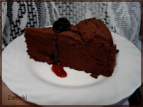 Czekoladowy tort truflowy