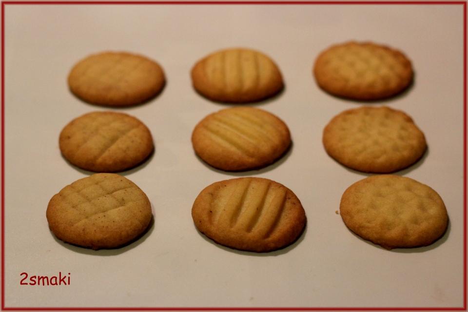 Ciastka maślane waniliowe, cynamonowe i imbirowe