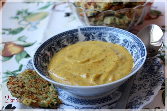 Zupa krem z cukinii, marchwi i mleka kokosowego