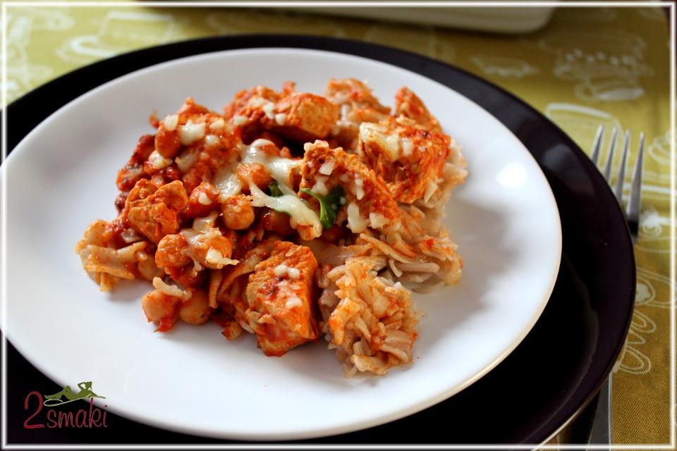 Zapiekanka makaronowa z kurczakiem i cieciorką