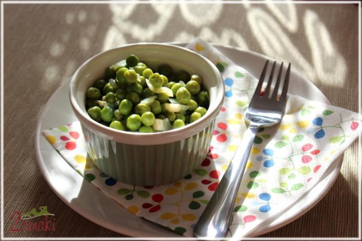 Zielony groszek z czosnkiem