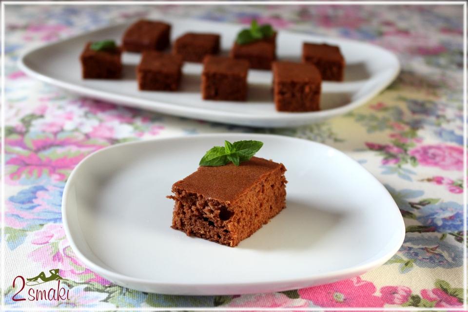 Delikatne ciasto czekoladowe