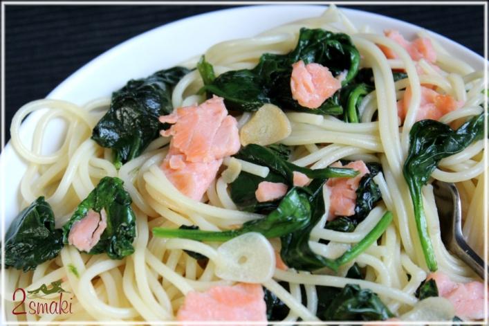 Spaghetti ze szpinakiem i łososiem 0