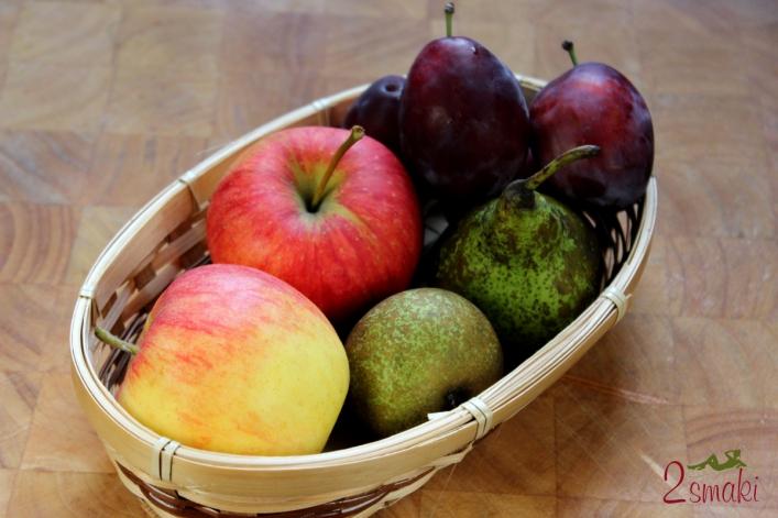 Ciasto z jesiennymi owocami, bezą i kruszonką 1
