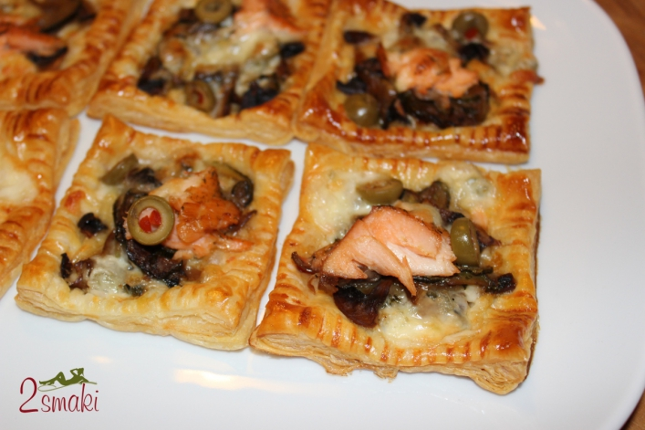 Minitarty francuskie z pieczarkami i łososiem