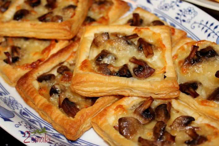 Minitarty francuskie z pieczarkami i mozzarellą