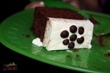 Tort brownies z bitą śmietaną 00
