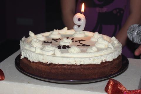Tort brownies z bitą śmietaną