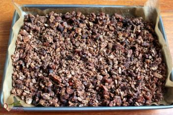 Granola czekoladowa z suszonymi owocami 2
