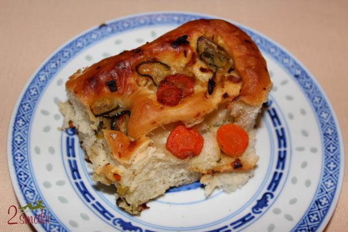 Pizza-roladki z cukinią, marchewką i porem