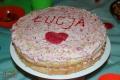 Tort waniliowy z masą truskawkową