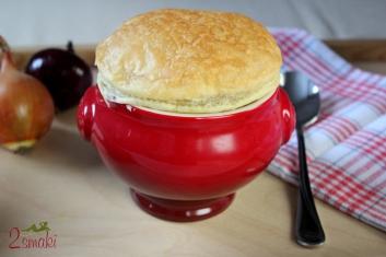 Zupa cebulowa zapiekana w cieście francuskim 8