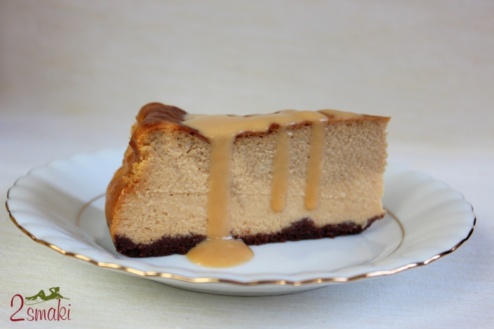 Sernik kawowo-kajmakowy