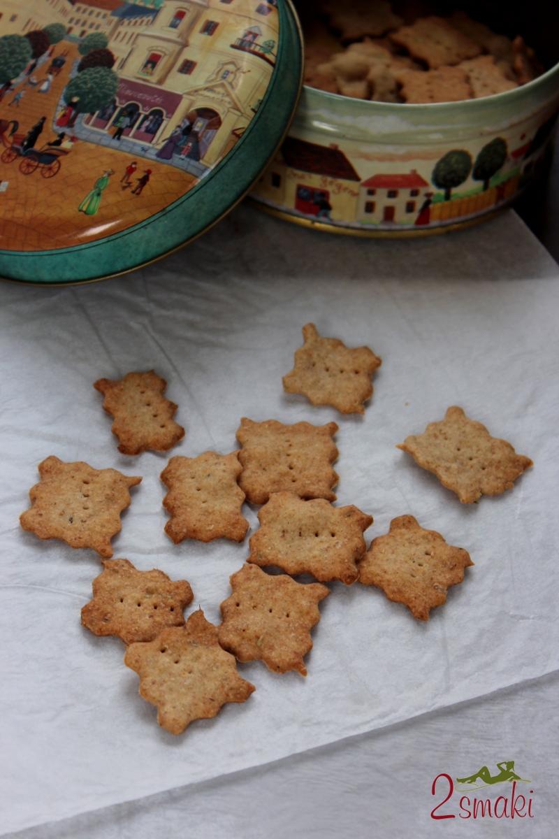 Krakersy pełnoziarniste z rozmarynem