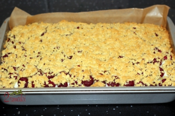 Ciasto z malinami i pianką budyniową 5