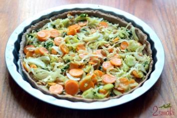 Tarta pełnoziarnista z warzywami i orzeszkami ziemnymi 1