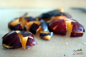 Sałatka owocowo-warzywna ze śliwkami 1