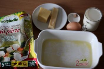 Królewska zapiekanka z sosem serowym 10