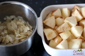 Jabłka pod migdałową kruszonką 1