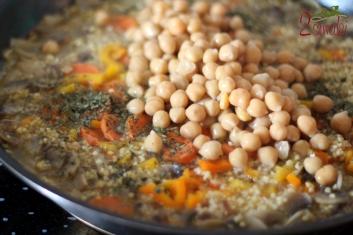 Kasza jaglana z ciecierzycą i warzywami 4