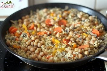Kasza jaglana z ciecierzycą i warzywami 5