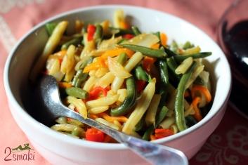 Steki z puree z marchwi i chrupiącymi warzywami 4