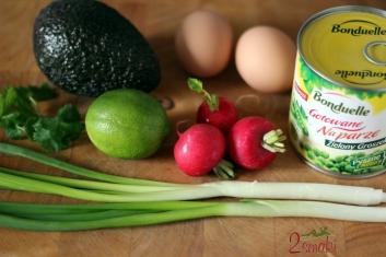 Wiosenna salatka z soczystym zielonym groszkiem 1
