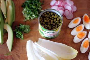 Wiosenna salatka z soczystym zielonym groszkiem 2