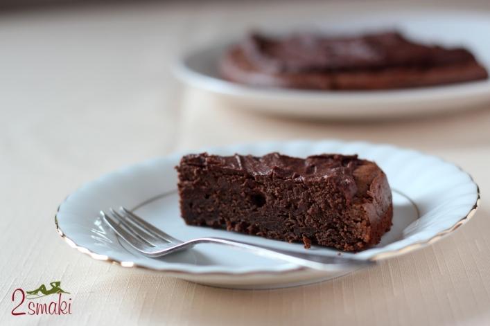 Tort brownie z kremem czekoladowym 0