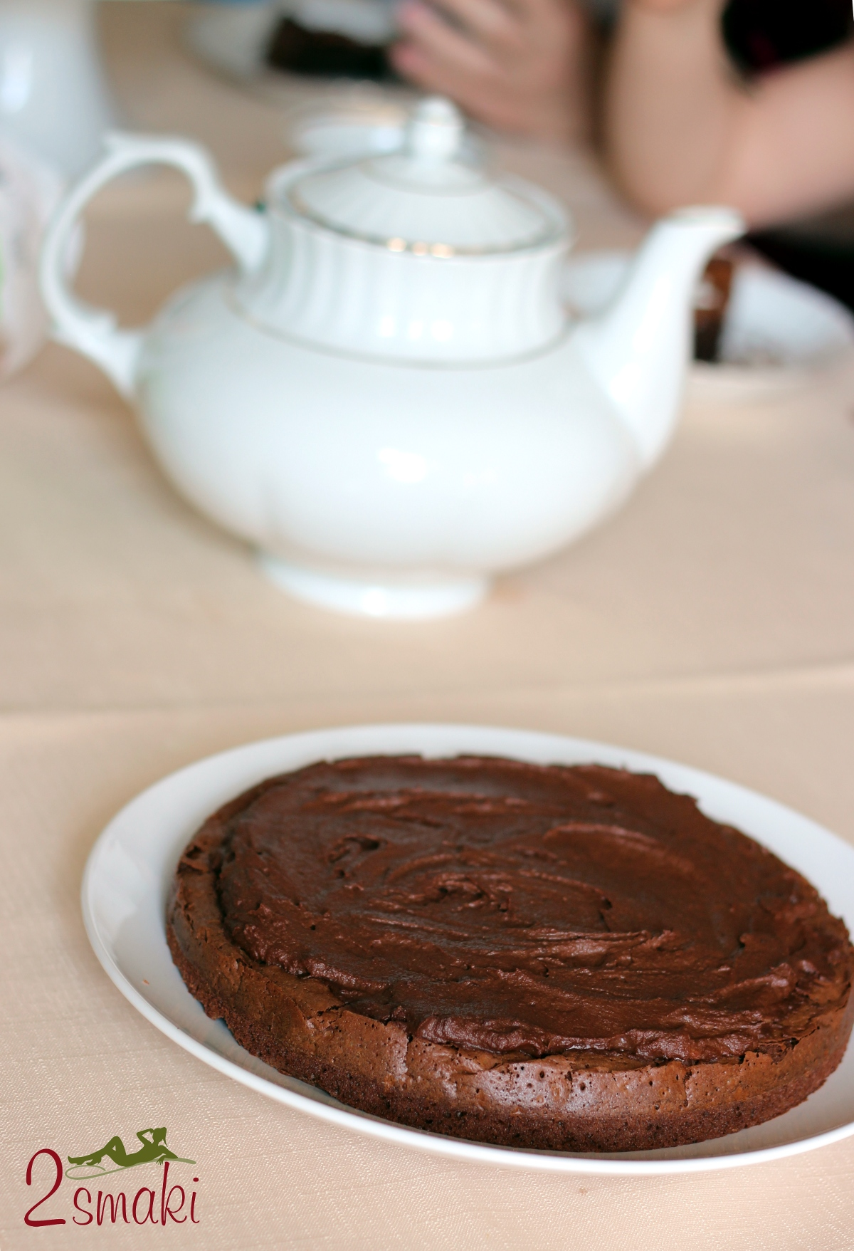 Tort brownie z kremem czekoladowym 00
