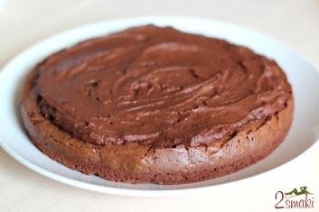 Tort brownie z kremem czekoladowym 1