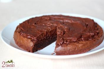 Tort brownie z kremem czekoladowym 2