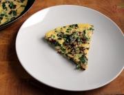 Omlet z botwinką i dymką