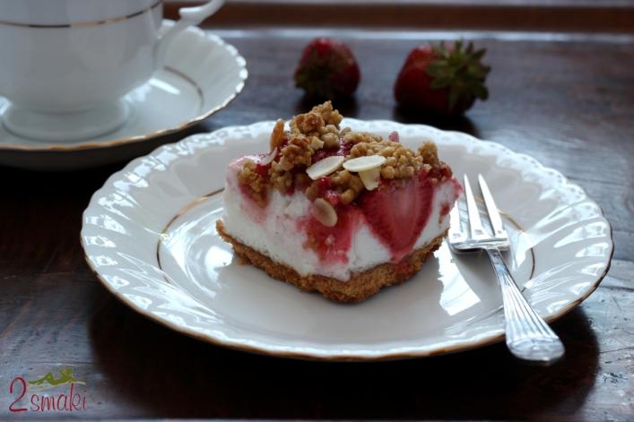 Kruche ciasto fit z pianką i malinami lub truskawkami 0