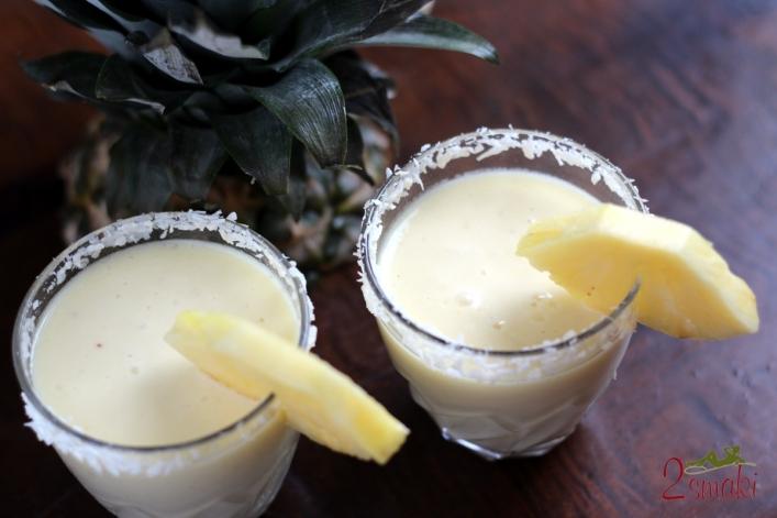 Koktajl ananasowo-kokosowy 00