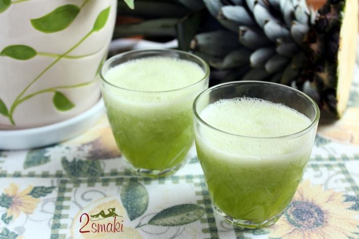 Smoothie z ananasa i bazylii