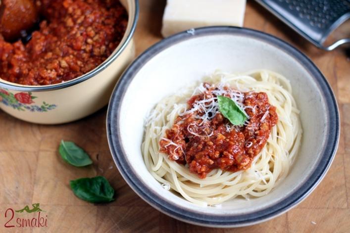 Spaghetti z sosem bolońskim 1