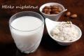 Mleko migdałowe i twarożek