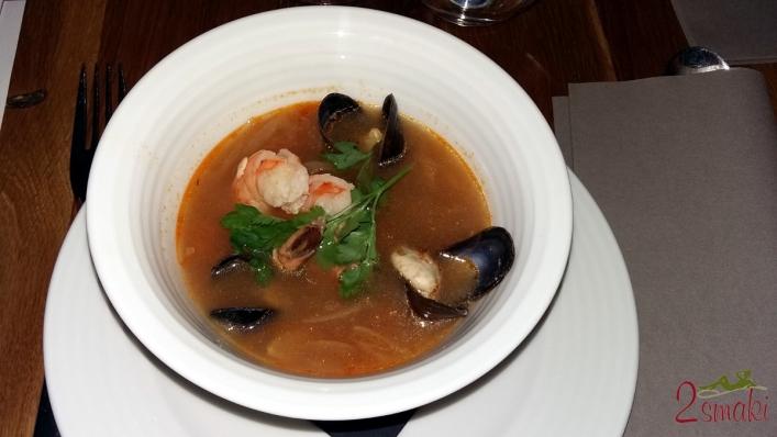 Degustacja Jacobs Creek 4 pikantna zupa rybna z owocami morza i kolendrą