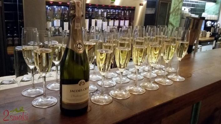 Degustacja Jacobs Creek wino musujące Chardonnay i Pinot Noir