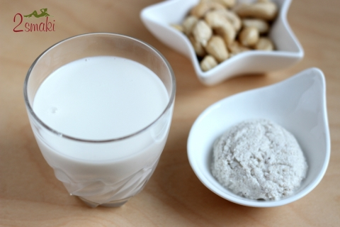 Mleko z nerkowców i twarożek