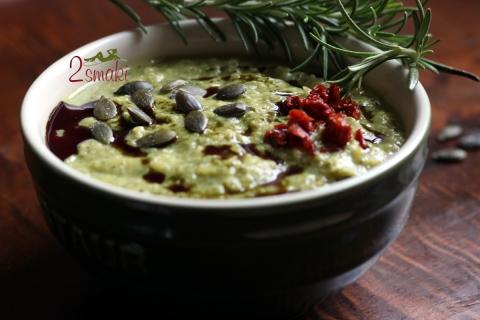 Zupa krem z cukinii z pestkami dyni